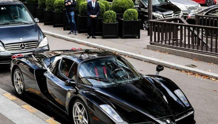 Metà moto, metà Ferrari Enzo: il risultato è un disastro - Foto 5 di 10
