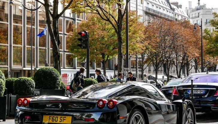 Metà moto, metà Ferrari Enzo: il risultato è un disastro - Foto 8 di 10