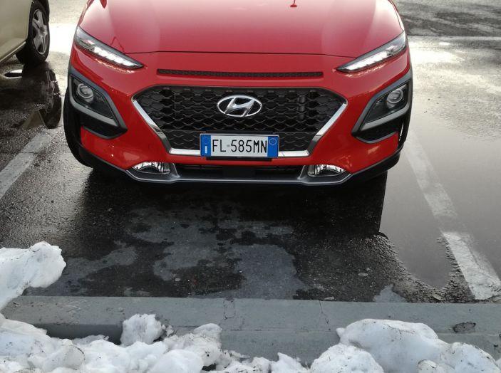 Prova su strada Hyundai Kona: il Crossover 4×4 tra prestazioni e avanguardia - Foto 8 di 19