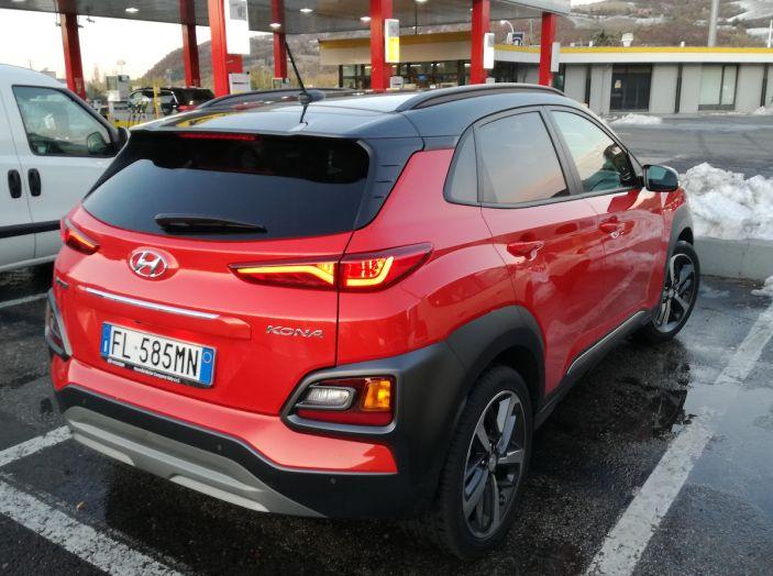 Prova su strada Hyundai Kona: il Crossover 4×4 tra prestazioni e avanguardia - Foto 17 di 19