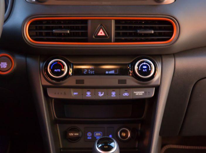 Prova su strada Hyundai Kona: il Crossover 4×4 tra prestazioni e avanguardia - Foto 9 di 19