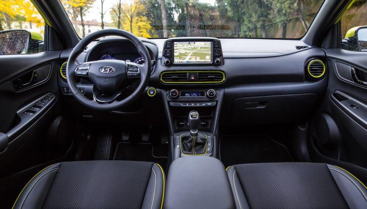 Prova su strada Hyundai Kona: il Crossover 4×4 tra prestazioni e avanguardia - Foto 6 di 19