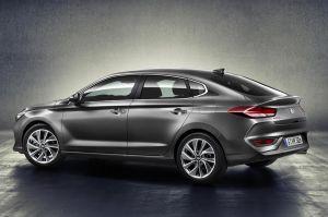 Hyundai-i30-Fastback-300x199.jpg?x15784