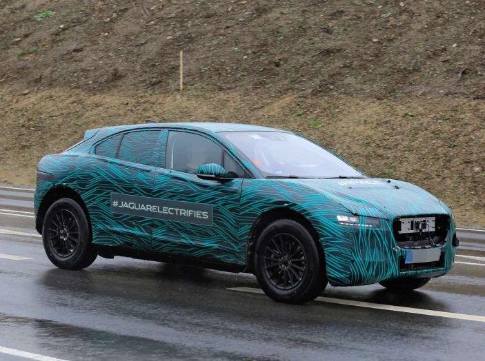 Jaguar I-PACE, test drive in Svezia del crossover elettrico - Foto 13 di 19