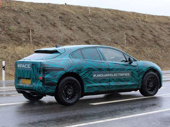 Jaguar I-PACE, test drive in Svezia del crossover elettrico - Foto 14 di 19