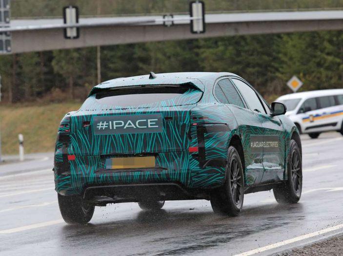 Jaguar I-PACE, test drive in Svezia del crossover elettrico - Foto 9 di 19
