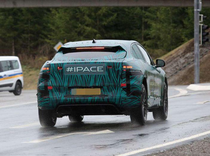 Jaguar I-PACE, test drive in Svezia del crossover elettrico - Foto 17 di 19