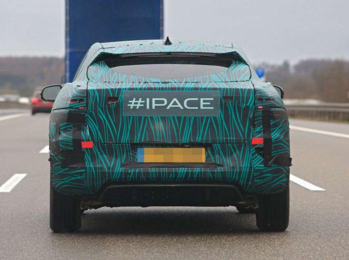Jaguar I-PACE, test drive in Svezia del crossover elettrico - Foto 19 di 19