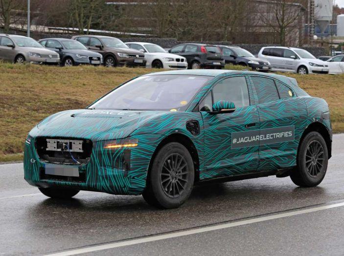 Jaguar I-PACE, test drive in Svezia del crossover elettrico - Foto 16 di 19
