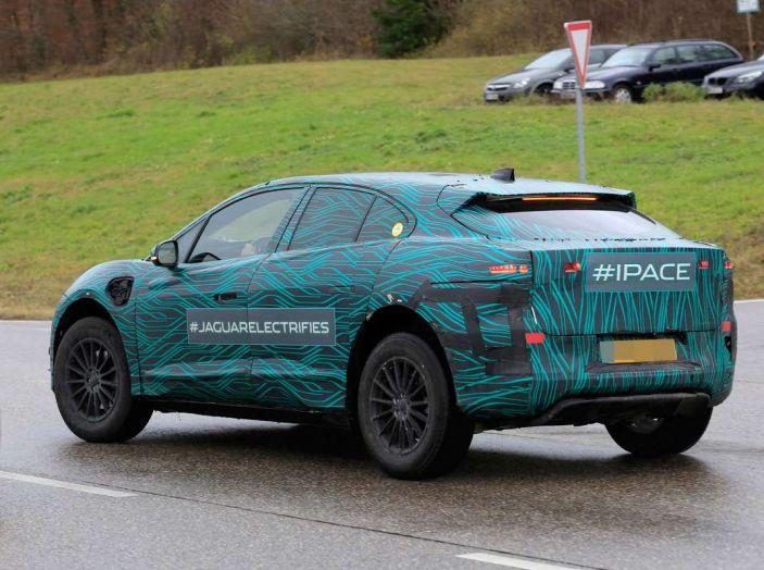 Jaguar I-PACE, test drive in Svezia del crossover elettrico - Foto 6 di 19