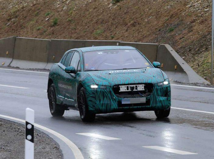 Jaguar I-PACE, test drive in Svezia del crossover elettrico - Foto 7 di 19