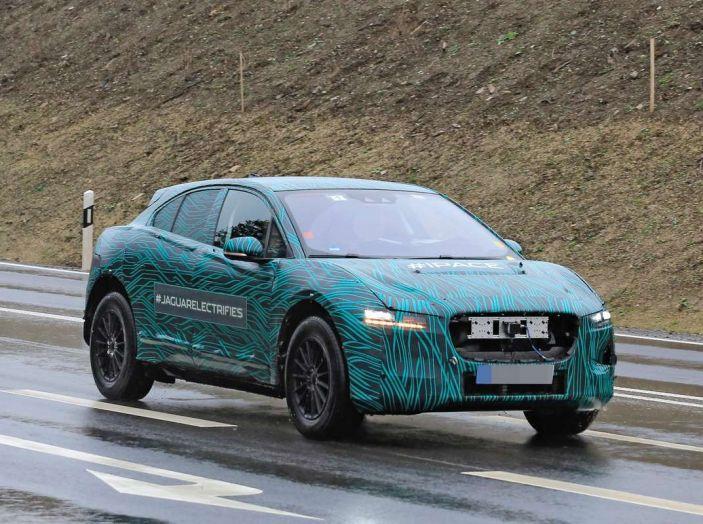 Jaguar I-PACE, test drive in Svezia del crossover elettrico - Foto 11 di 19