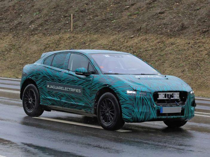 Jaguar I-PACE, test drive in Svezia del crossover elettrico - Foto 2 di 19