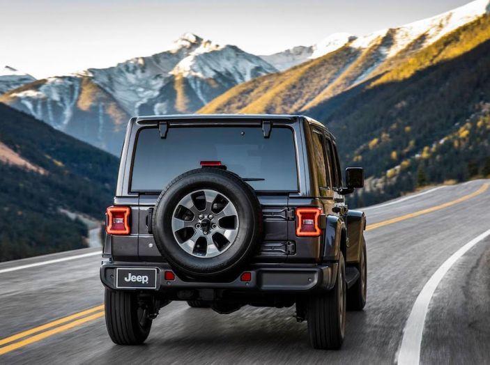 Nuovo Jeep Wrangler 2018, l'icona offroad cambia pelle - Foto 13 di 65