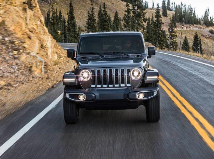 Nuovo Jeep Wrangler 2018, l'icona offroad cambia pelle - Foto 14 di 65