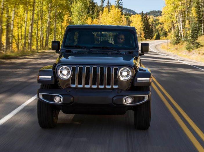 Nuovo Jeep Wrangler 2018, l'icona offroad cambia pelle - Foto 7 di 65