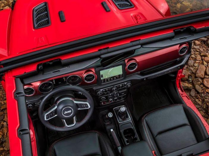 Nuovo Jeep Wrangler 2018, l'icona offroad cambia pelle - Foto 39 di 65