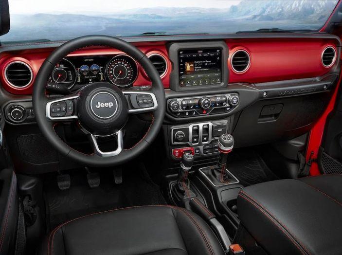 Nuovo Jeep Wrangler 2018, l'icona offroad cambia pelle - Foto 43 di 65