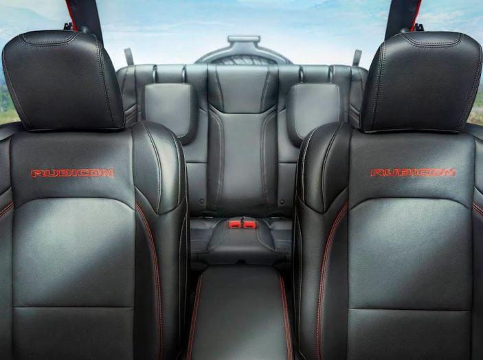 Nuovo Jeep Wrangler 2018, l'icona offroad cambia pelle - Foto 53 di 65