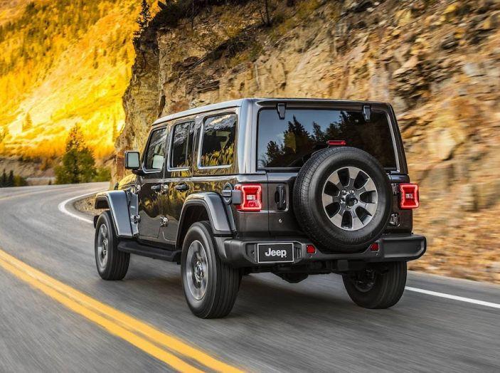Nuovo Jeep Wrangler 2018, l'icona offroad cambia pelle - Foto 11 di 65