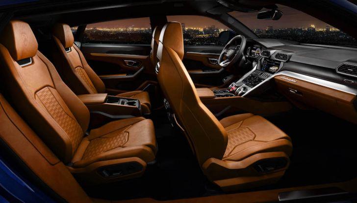Lamborghini Urus, il SUV da 650CV per abbattere i confini della guida - Foto 12 di 27