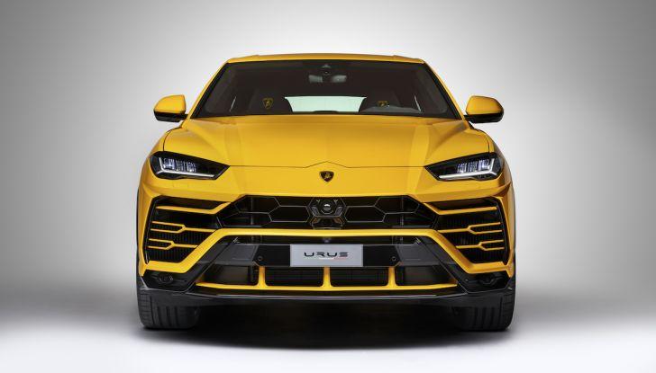Lamborghini Urus, il SUV da 650CV per abbattere i confini della guida - Foto 16 di 27