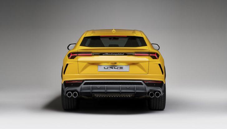 Lamborghini Urus, il SUV da 650CV per abbattere i confini della guida - Foto 19 di 27
