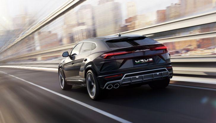 Lamborghini Urus, il SUV da 650CV per abbattere i confini della guida - Foto 8 di 27