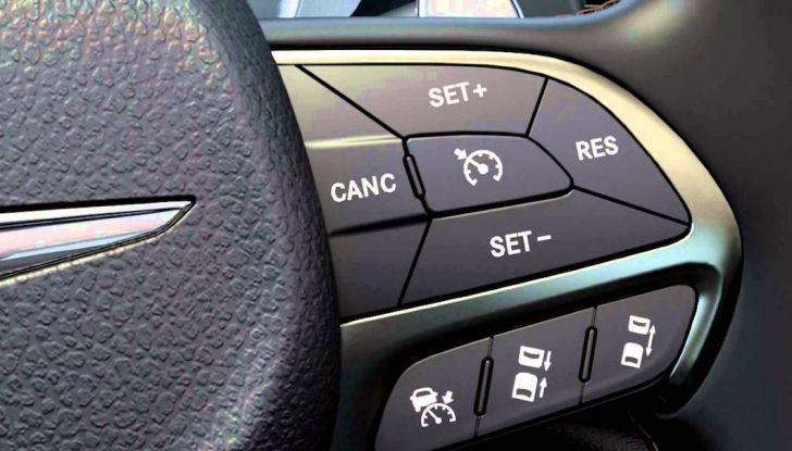 Limitatore di velocità per auto: cos'è, a cosa serve e perché acquistarlo - Foto 7 di 9