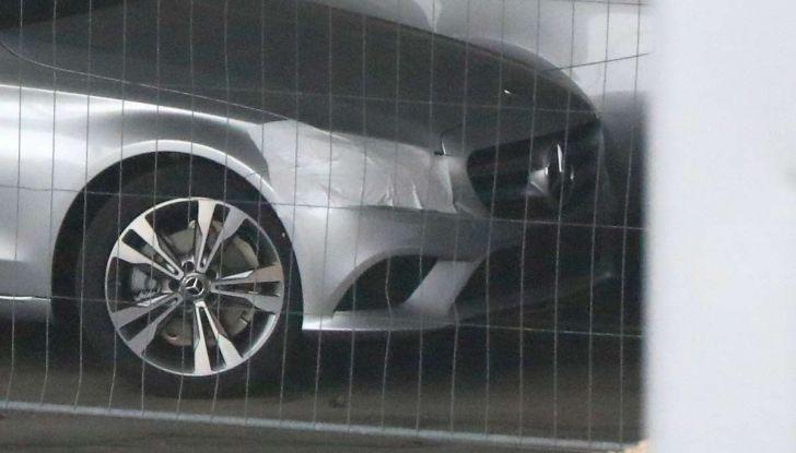 Mercedes Classe C Facelift 2018, immagini e dati tecnici - Foto 3 di 12