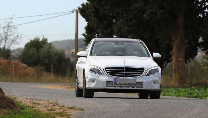 Mercedes Classe C Facelift 2018, immagini e dati tecnici - Foto 4 di 12