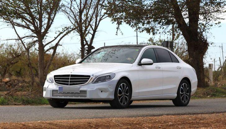 Mercedes Classe C Facelift 2018, immagini e dati tecnici - Foto 8 di 12