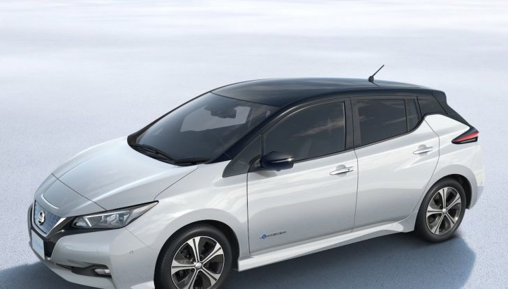 Nissan punta a 1 milione di auto elettriche entro il 2022 - Foto 6 di 12