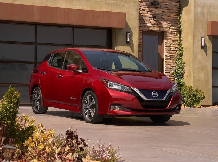 Nissan punta a 1 milione di auto elettriche entro il 2022 - Foto 8 di 12