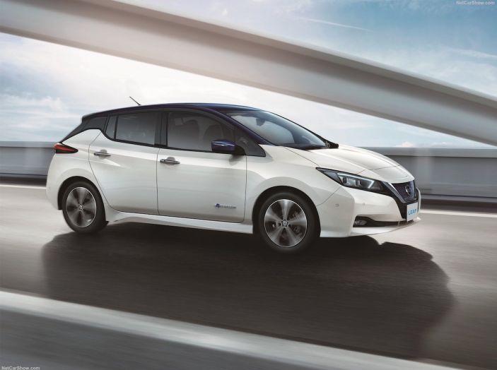 Nissan punta a 1 milione di auto elettriche entro il 2022 - Foto 11 di 12