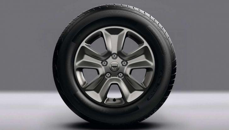 Nuova Dacia Duster prezzi, accessori e allestimenti del SUV cittadino - Foto 15 di 15