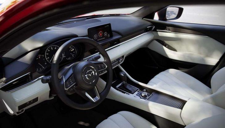 Mazda vuole salvare il Diesel: valore garantito fino al 2021 per lo Skyactiv-D - Foto 9 di 16