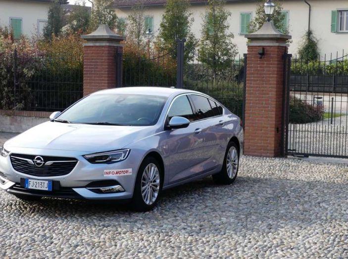 Opel Insignia Grand Sport Innovation 2.0 CDTI 170cv S&S prova su strada - Foto 10 di 34