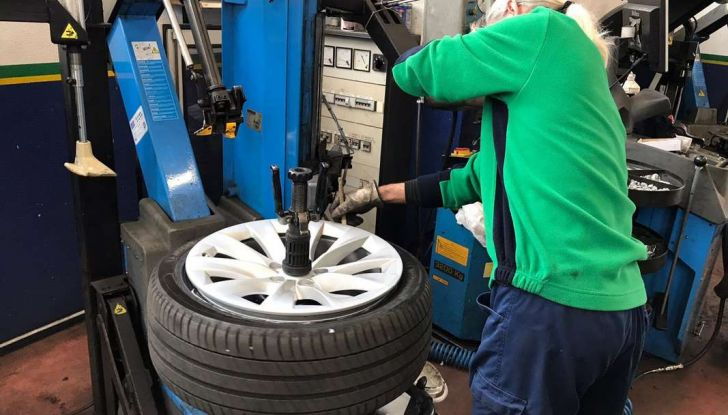 Pneumatici invernali anche sulle auto elettriche: Michelin Alpin è il top - Foto 11 di 28