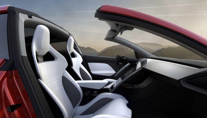 La nuova Tesla Roadster è l'auto più veloce del mondo, lo dicono i tester - Foto 6 di 16