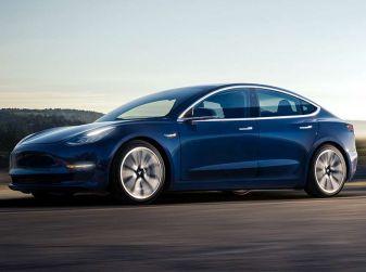 Tesla Model 3 in ritardo di tre mesi, produzione record al pari delle perdite!