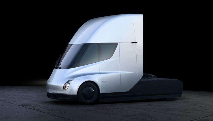 Tesla Semi Truck, il camion elettrico che rivoluziona i trasporti - Foto 4 di 18