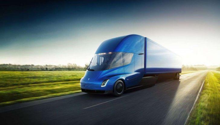 Tesla Semi Truck, il camion elettrico che rivoluziona i trasporti - Foto 2 di 18