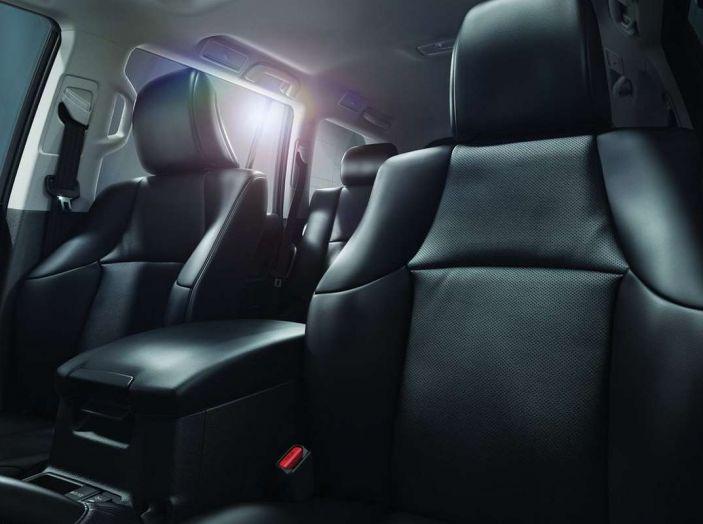Toyota Land Cruiser restyling 2018, informazioni e dati tecnici - Foto 15 di 17