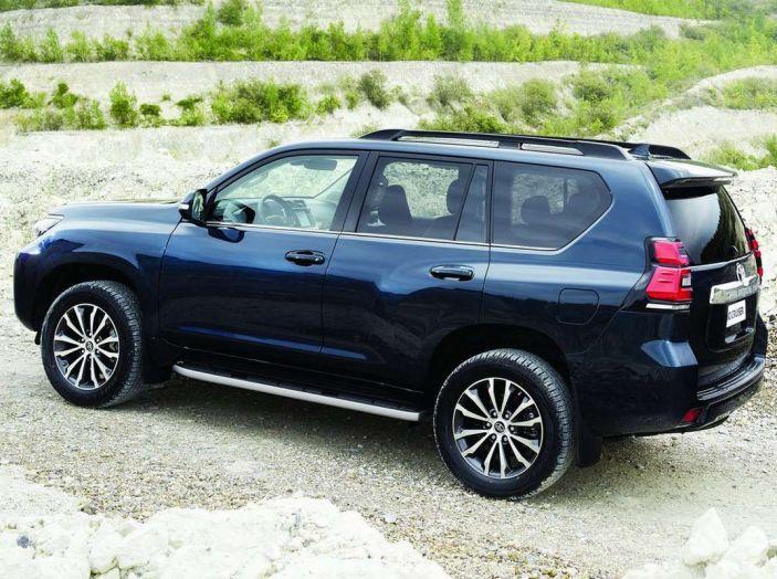 Toyota Land Cruiser restyling 2018, informazioni e dati tecnici - Foto 12 di 17
