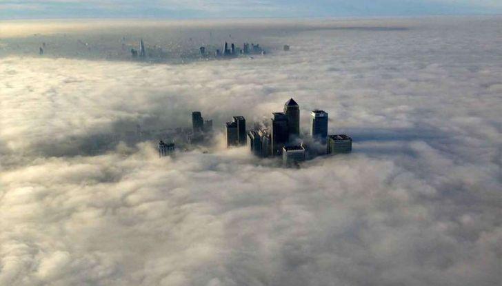 Visibilità ridotta causa nebbia, arriva il laser che illumina le strade - Foto 3 di 7