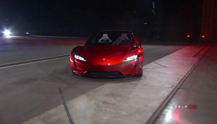 La nuova Tesla Roadster è l'auto più veloce del mondo, lo dicono i tester - Foto 4 di 16