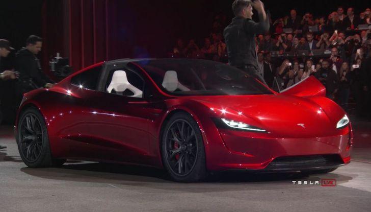 La nuova Tesla Roadster è l'auto più veloce del mondo, lo dicono i tester - Foto 3 di 16