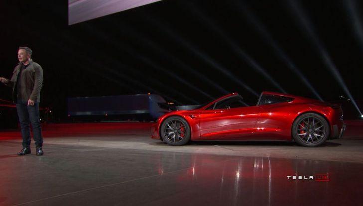 La nuova Tesla Roadster è l'auto più veloce del mondo, lo dicono i tester - Foto 11 di 16