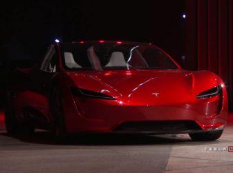 La nuova Tesla Roadster è l'auto più veloce del mondo (ed è elettrica)